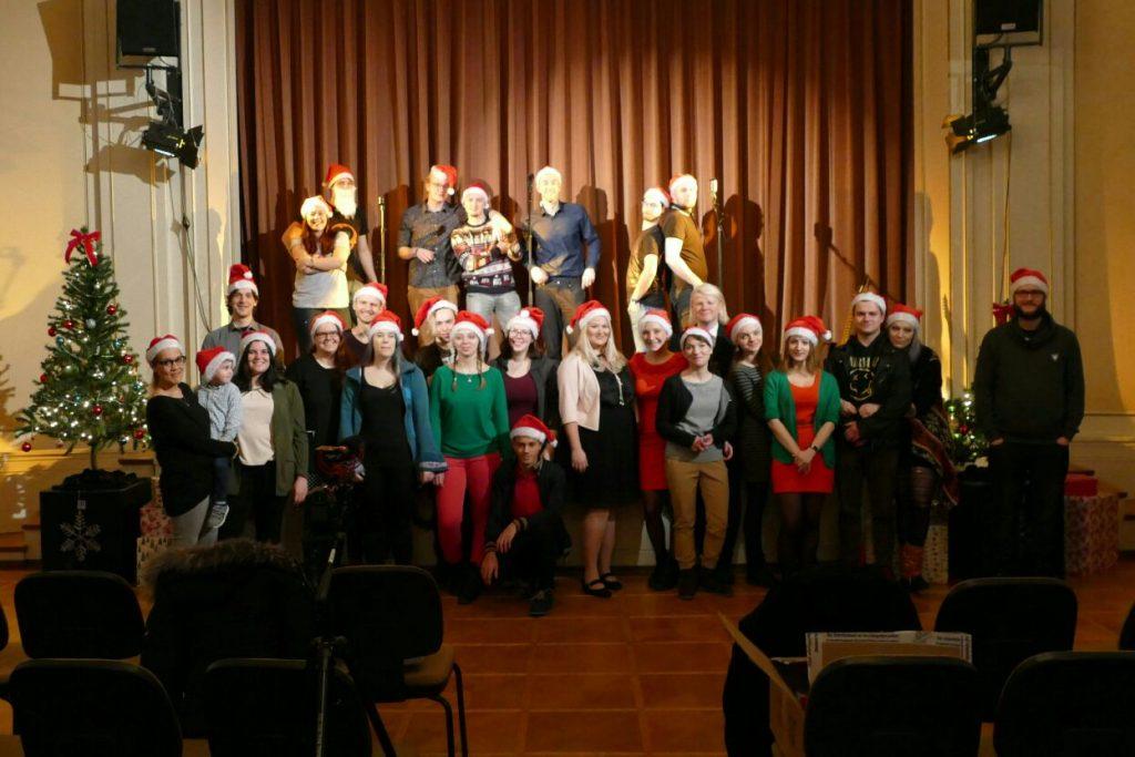 Weihnachtsfeier Im Januar.Kollegiaten Rocken Die Weihnachtsfeier Der Kollegiat